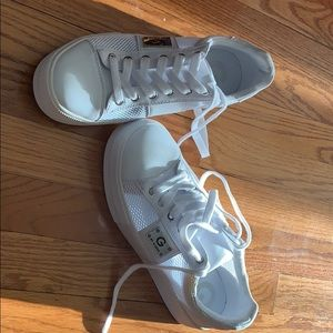 """G by Guess""""corny""""sneakers in white"""